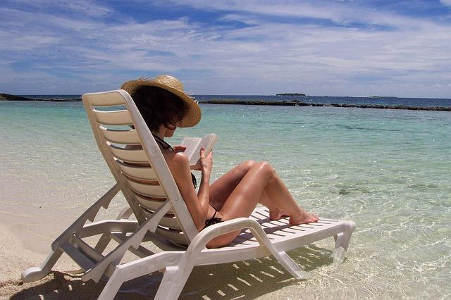 Compiti delle vacanze: come organizzarli, farli e finirli senza stress