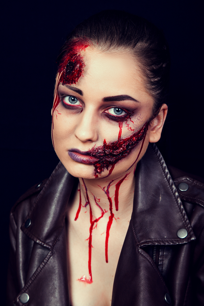 Trucco di Halloween  sangue e ferite finte fai da te - StudentVille 9b145752b695