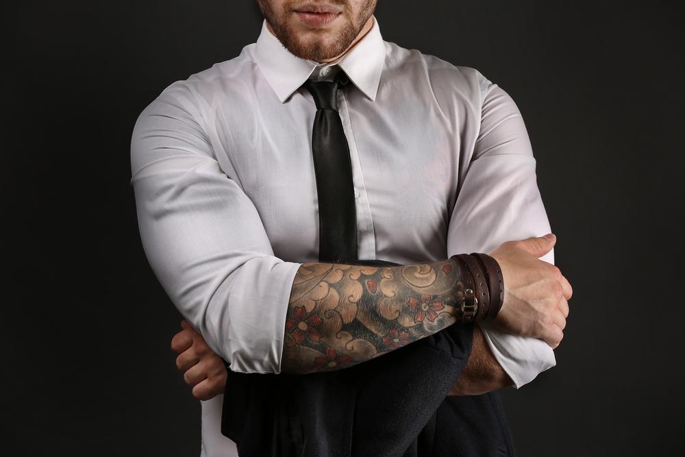 Tatuaggi sul braccio i pi belli da uomo studentville for Tatuaggi idee uomo