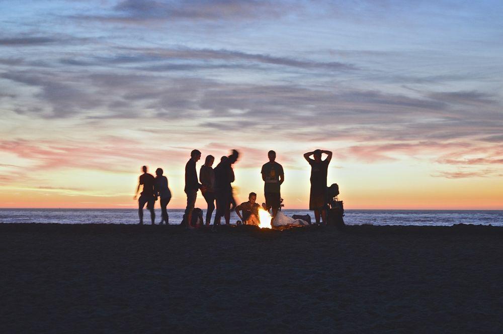 Ferragosto 2018: le canzoni da falò in spiaggia