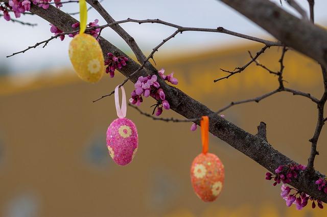Albero di Pasqua fai da te come realizzarlo e addobbarlo