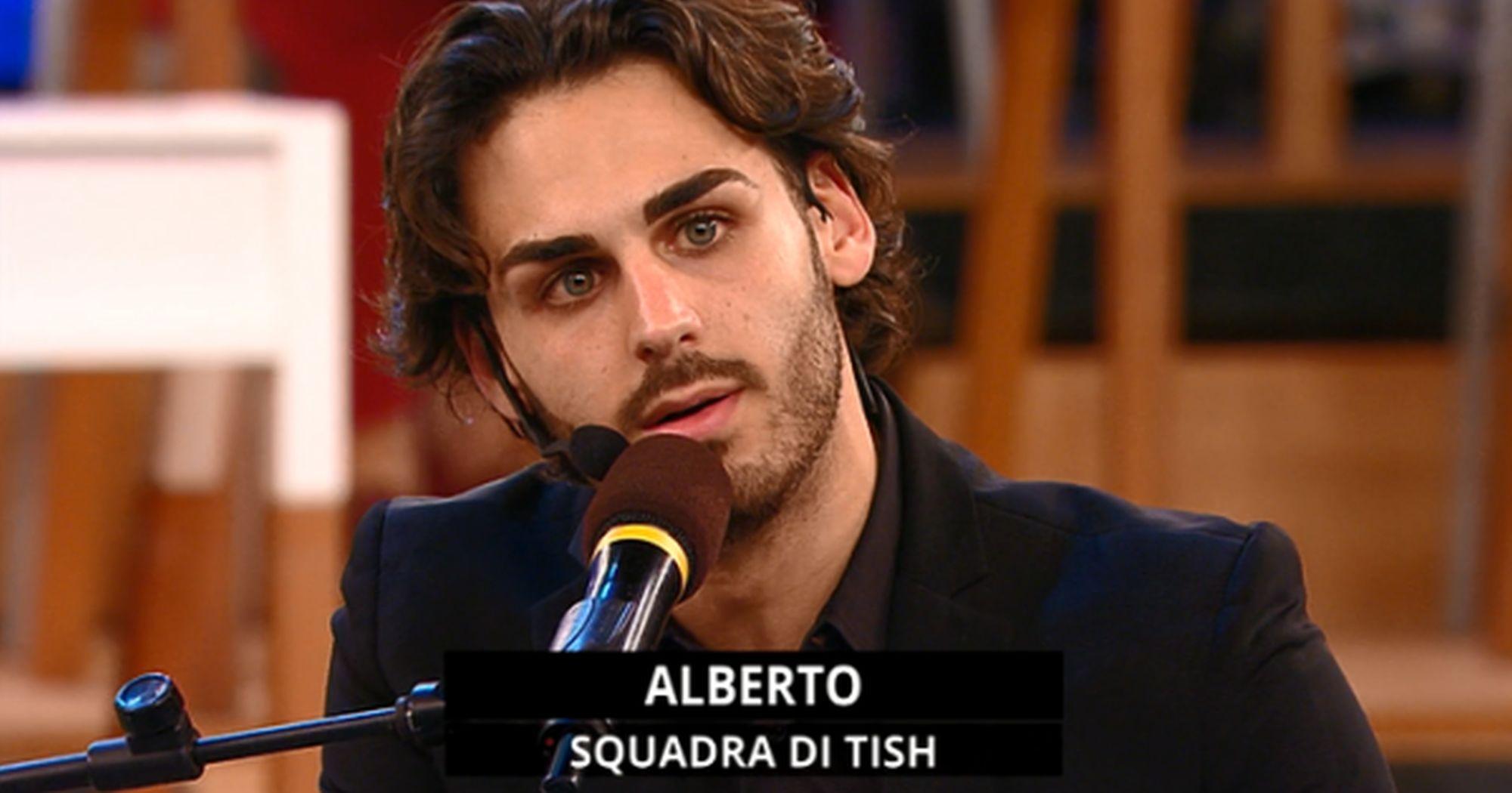 """Alberto Urso a Sanremo 2020 con """"Il sole ad est"""": testo, audio, significato"""