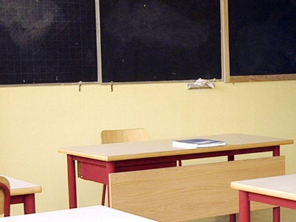 Chiusura scuole per Coronavirus: 6 politico o didattica a distanza?