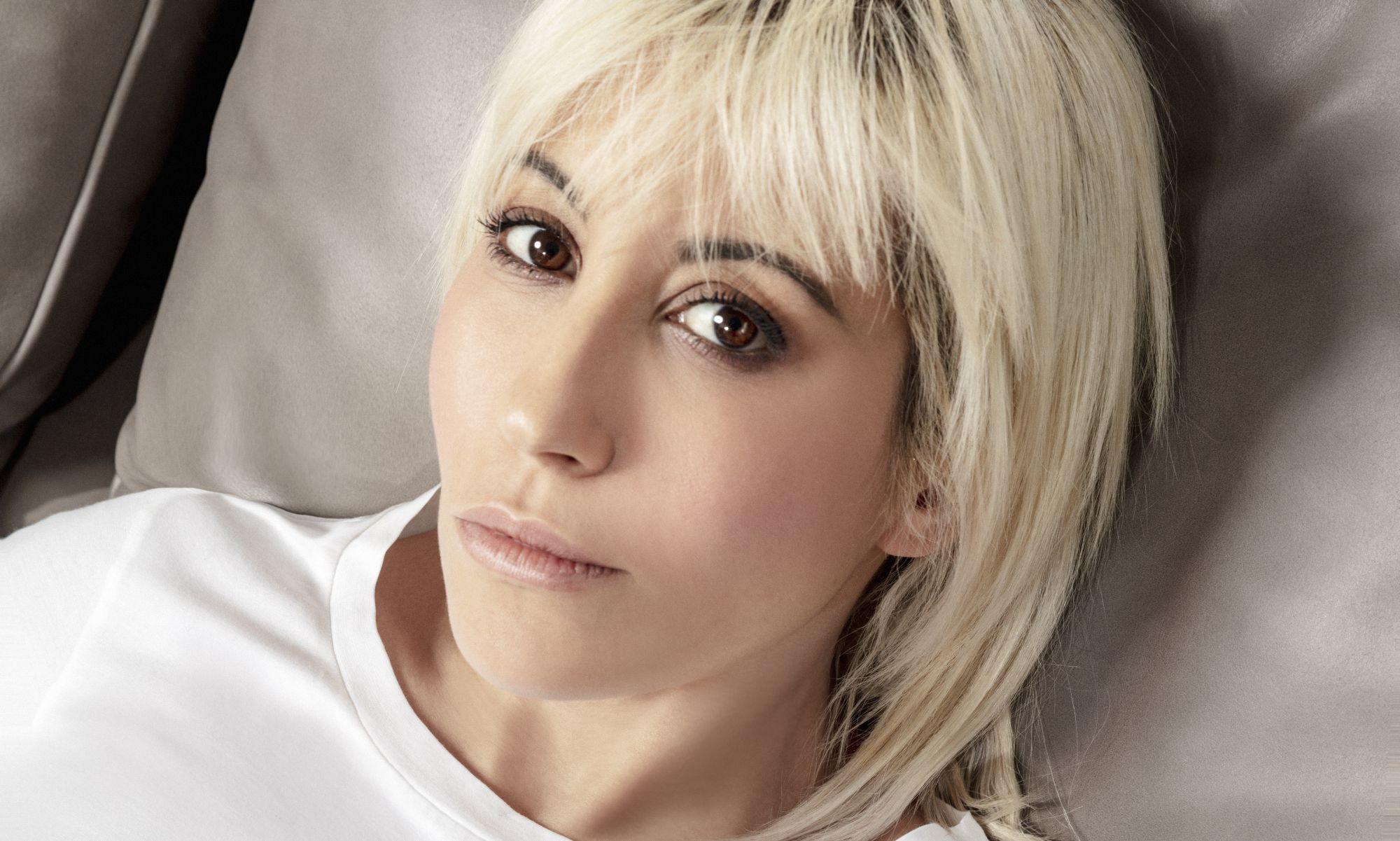 """Malika Ayane a Sanremo 2021 con """"Ti piaci così"""": testo, audio, significato"""