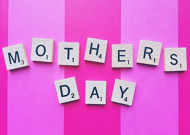 Festa della mamma, poesie d'autore famose