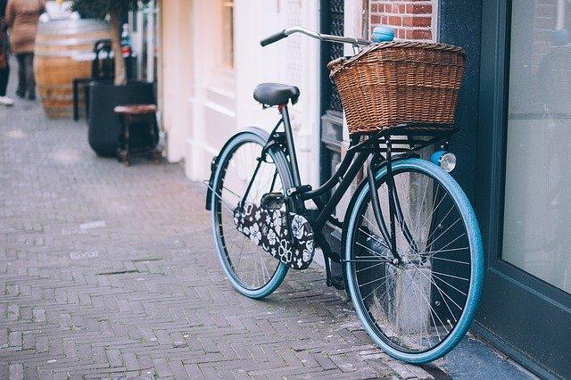 Giornata mondiale della bicicletta: 10 motivi per cui tutti dovrebbero andare in bici