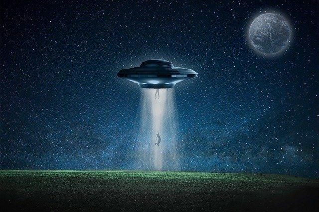9 film su ufo e alieni da vedere questa estate