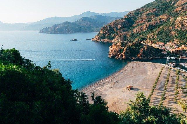 Vacanze in Corsica 2021, dove andare e cosa vedere