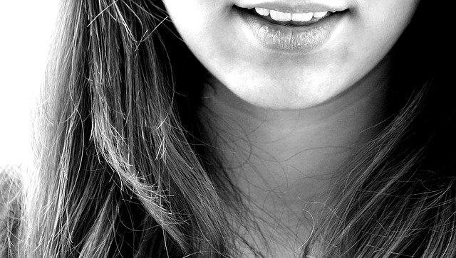 Le più famose poesie sul sorriso dei grandi scrittori