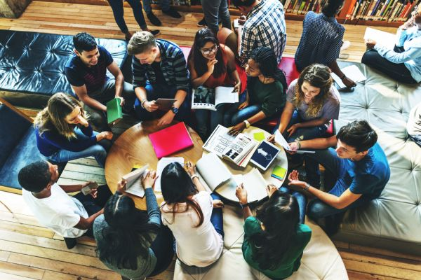 Autogestione a scuola: regolamento e idee