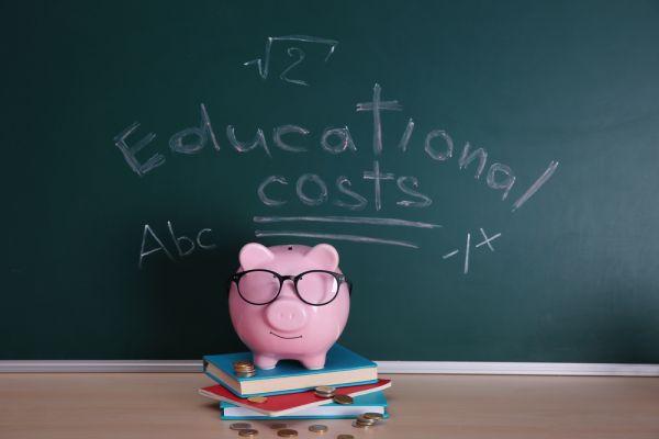 Libri scolastici: sono spese straordinarie?