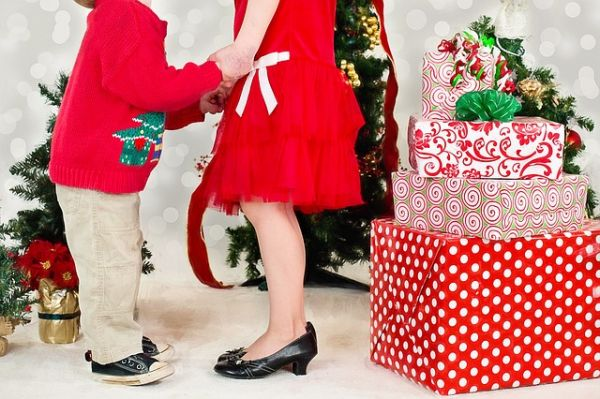 Regali Di Natale Per Nonni.Regali Di Natale Per Lei 7 Suggerimenti Per Stupirla Studentville