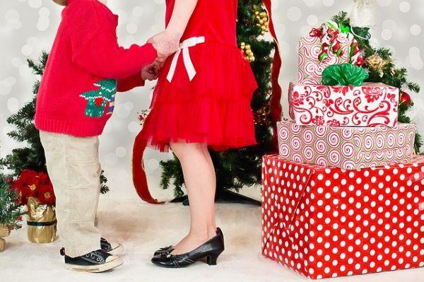 Regali Di Natale Per.Regali Di Natale Per Lei 7 Suggerimenti Per Stupirla Studentville