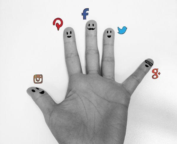 Saggio breve sui Social network: pro e contro