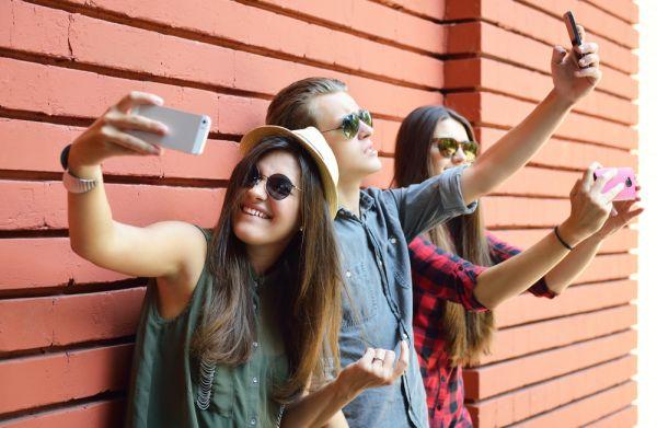 tema sui social network e i giovani