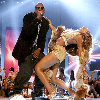 Beyoncé e Jay-Z in una delle loro celebri performance live