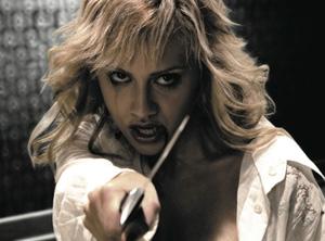 Brittany in una scena di Sin City