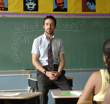 """Ryan Gosling nei panni di un insegnante vicino ai ragazzi nel film """"Half Nelson"""""""