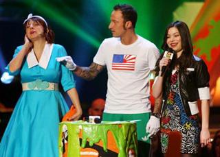 La giovane star con Francesco Facchinetti agli ultimi Nickelodeon's Kids Choice Awards