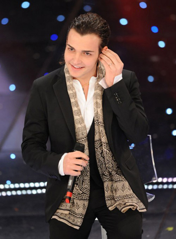 Valerio Scanu sul palco dell'Ariston